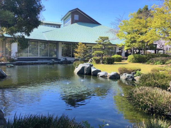 新居図書館庭園(新居文化公園)