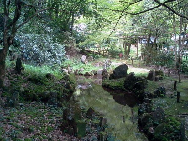 龍蔵寺雪舟庭園