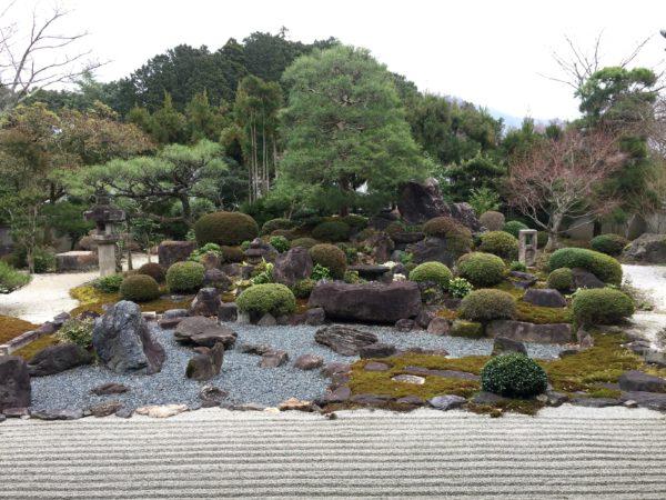 妙満寺庭園 雪の庭