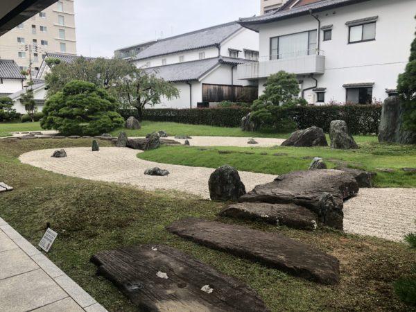 みやのまえ文化の郷(伊丹郷町館)庭園