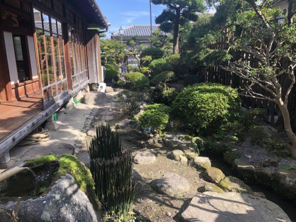 しまばら湧水館(旧三村家住宅)庭園