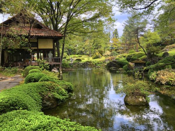 雲嶺庵庭園(ほまれ酒造庭園)