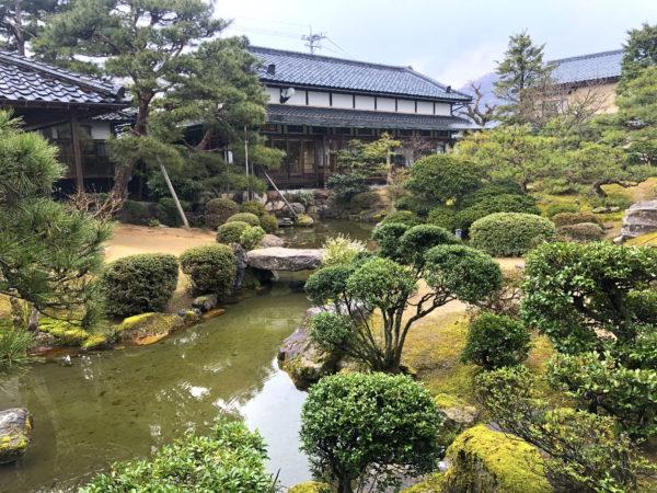 愛山荘庭園