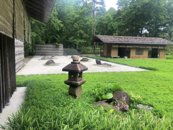 笹離宮(蓼科笹類植物園)