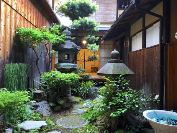胡乱座(旧長岡家住宅)庭園