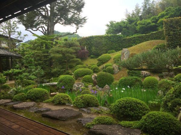 大角氏庭園(旧和中散本舗)