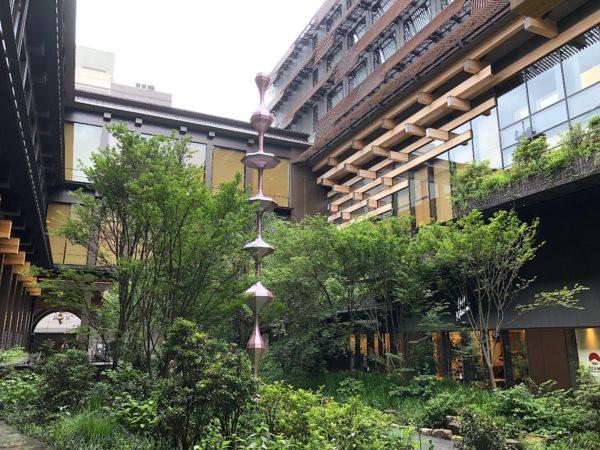 新風館(エースホテル)庭園