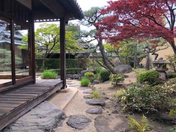 いかしの舎(旧寺山家)庭園