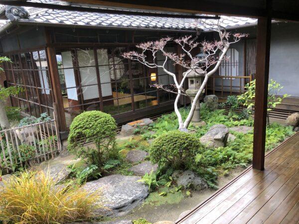 "京極庵庭園""山里の庭"""