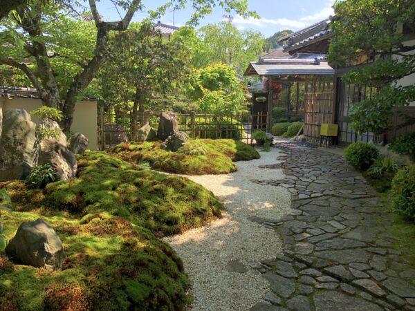 桜下亭庭園